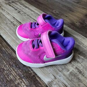 Nike shoes 3C